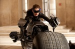 anne-hathaway-as-selina-kyle-catwoman-in